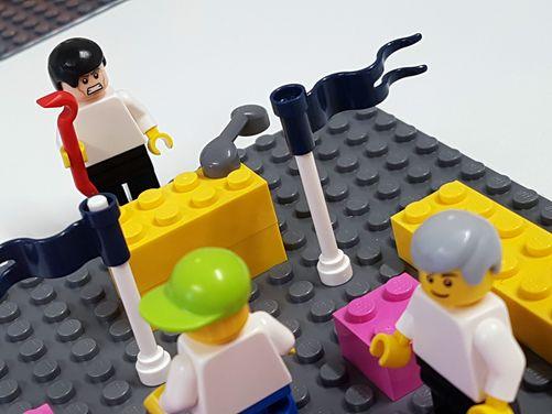 Lego-Darstellung einer Gewaltsituation
